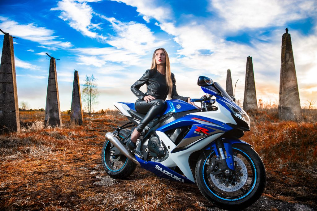 5 redenen om als vrouw dit voorjaar nog een motor te kopen