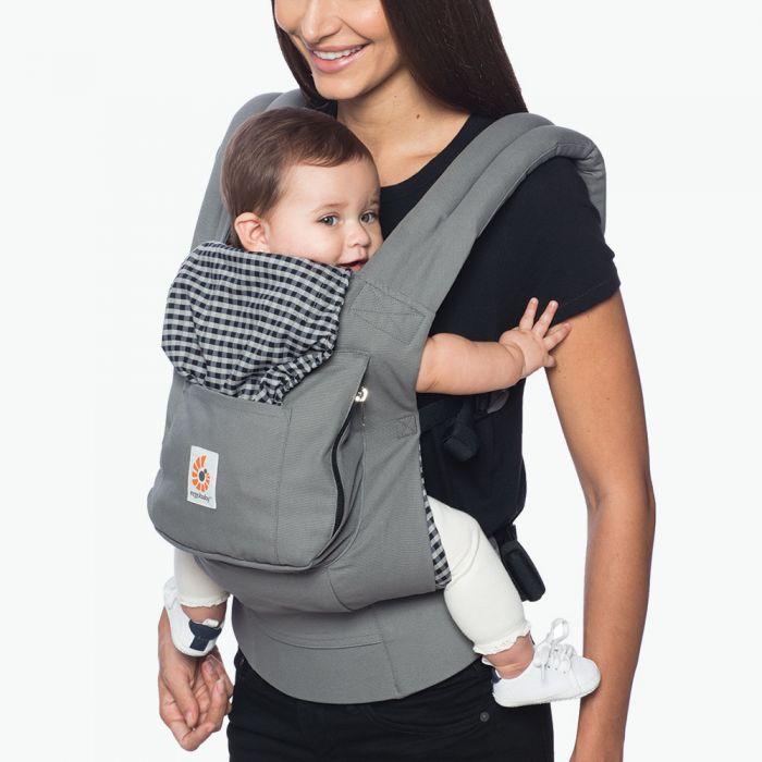 Lekker wandelen met een baby draagzak